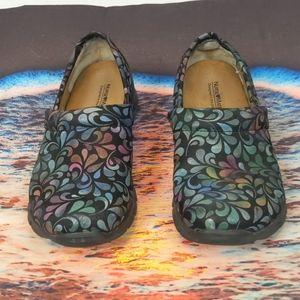 Nurse mates women's shoes size 7.5